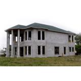 Blocos feitos de concreto na Casa Verde