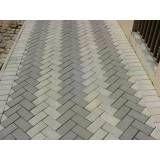 Empresa de colocar tijolos intertravados em Iguape