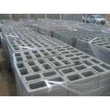 Empresas de blocos feitos de concreto no M'Boi Mirim